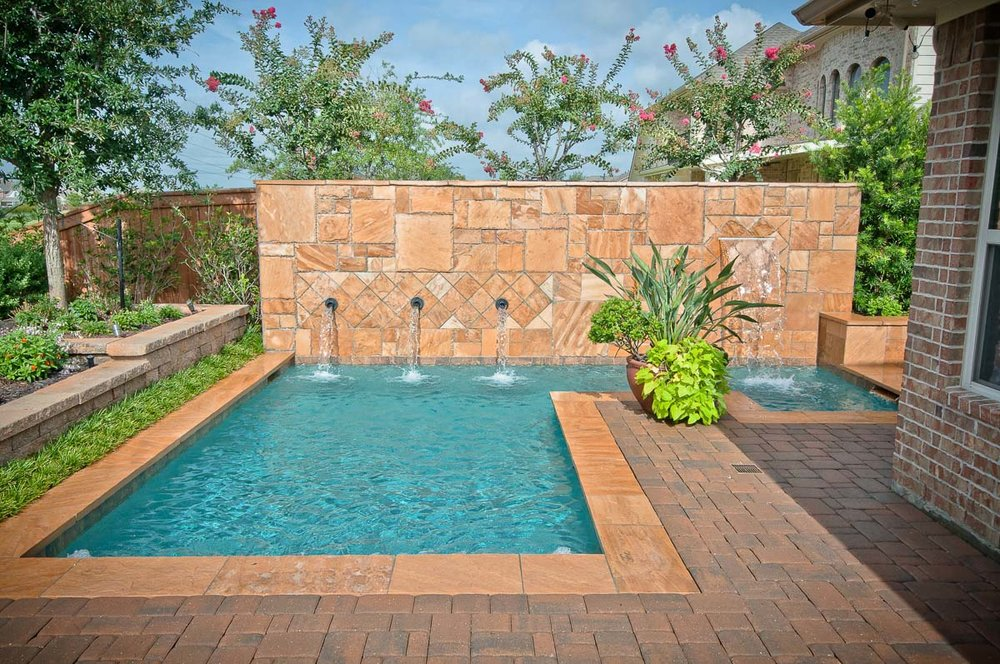 Woodlands Custom Pool Builder and Design 19.jpg