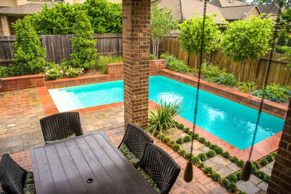 Woodlands Custom Pool Builder and Design 20.jpg