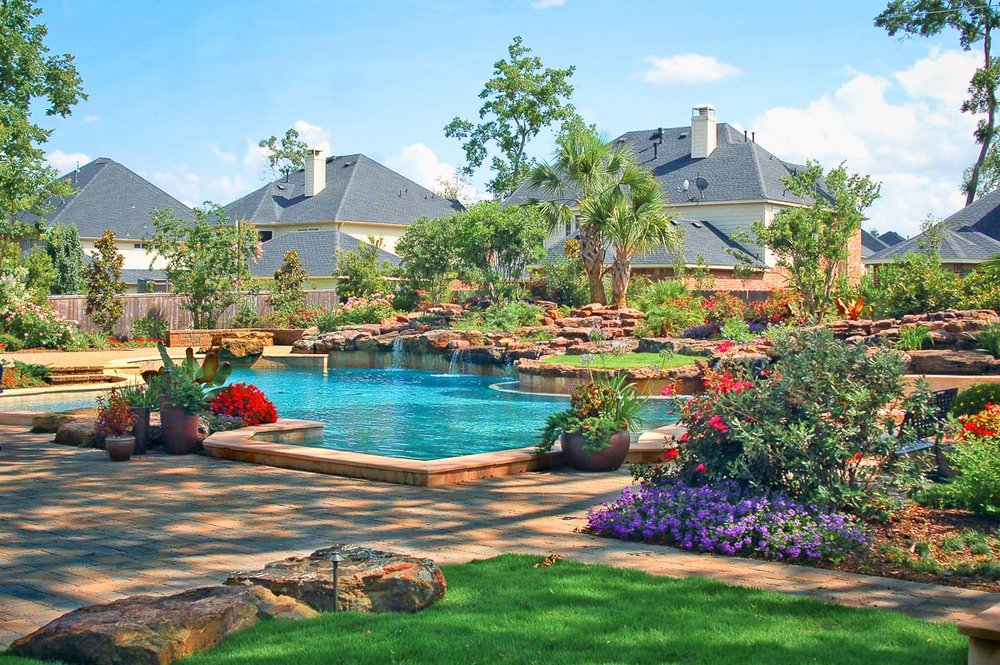 Woodlands Custom Pool Builder and Design 26.jpg