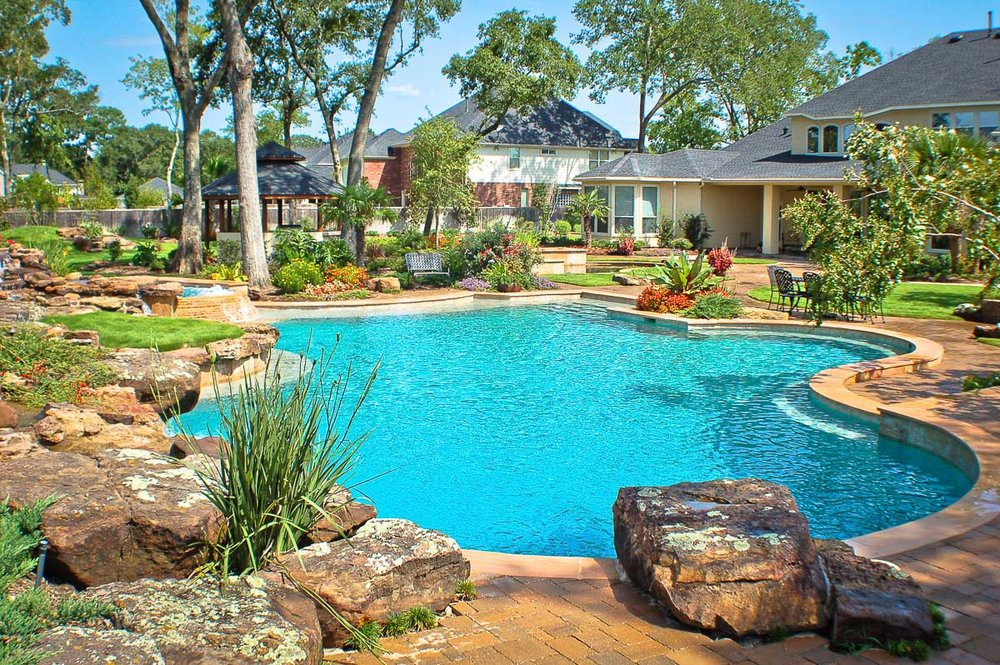 Woodlands Custom Pool Builder and Design 30.jpg