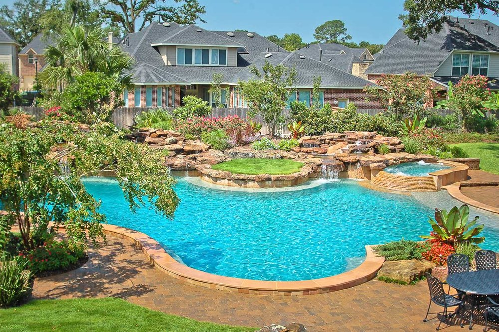 Woodlands Custom Pool Builder and Design 31.jpg