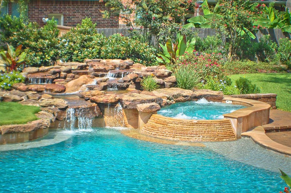 Woodlands Custom Pool Builder and Design 32.jpg
