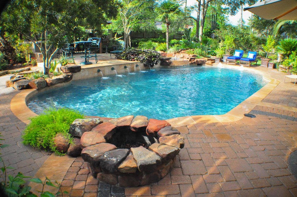 Woodlands Custom Pool Builder and Design 33.jpg