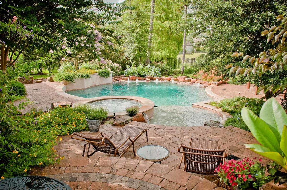 Woodlands Custom Pool Builder and Design 39.jpg