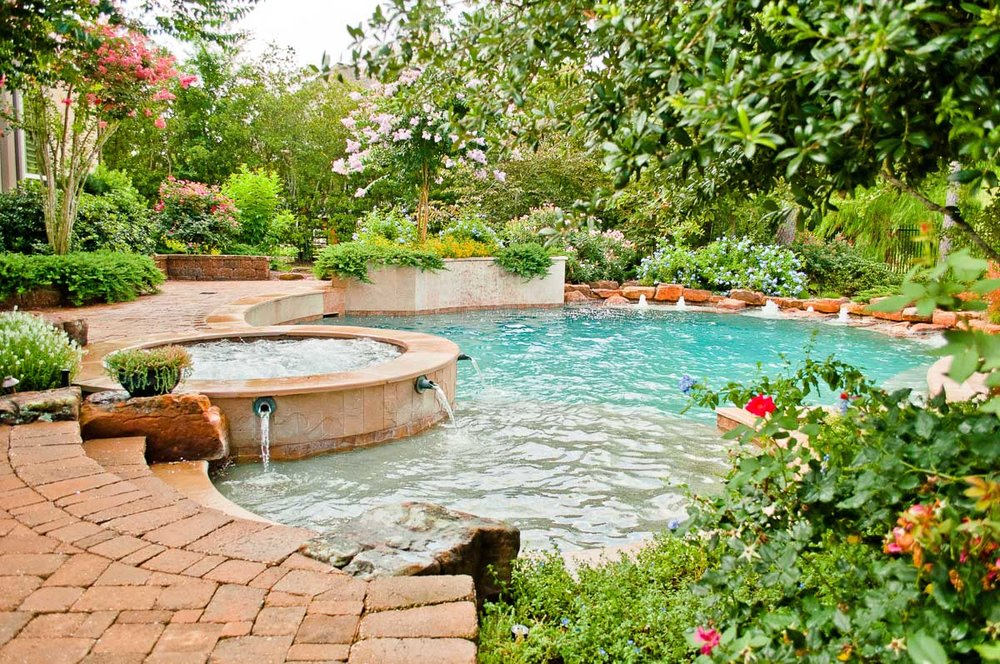 Woodlands Custom Pool Builder and Design 40.jpg