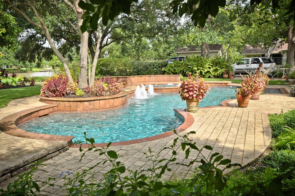 Woodlands Custom Pool Builder and Design 43.jpg