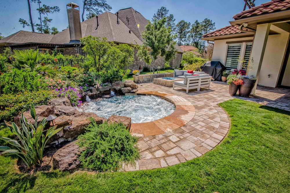 Custom Small Pool Design 1.jpg