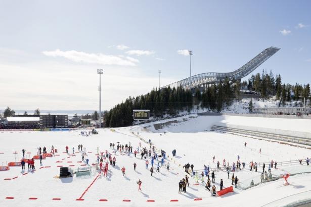 Holmenkollen_Ski_Jump_03