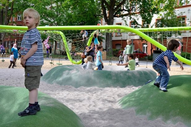Sculptural_Playground_04