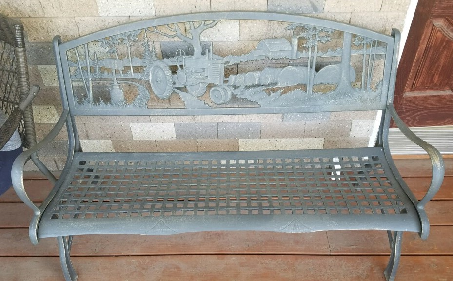 #139  Tractor Bench