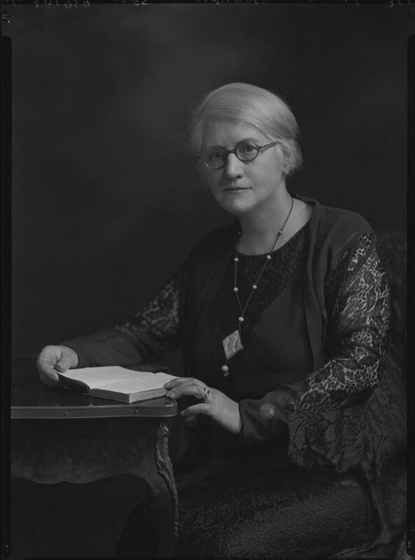 Annie Maunder, 1921. (National Portrait Gallery)