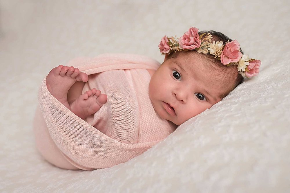 Puyallup's Professional Newborn Photographer | Amaya's Cake Smash Session
