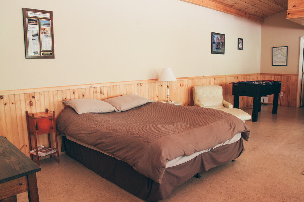 Comfortable lodging in the Adirondack Cabin at Wellnesste Lodge