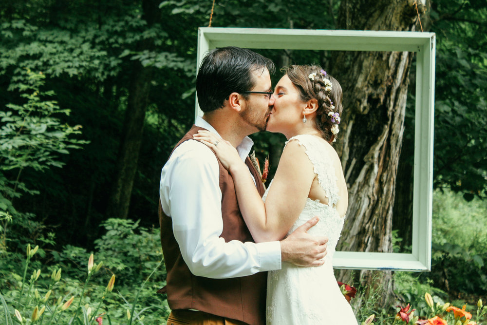 Romantic country style weddings at Wellnesste Lodge in Central NY, CNY