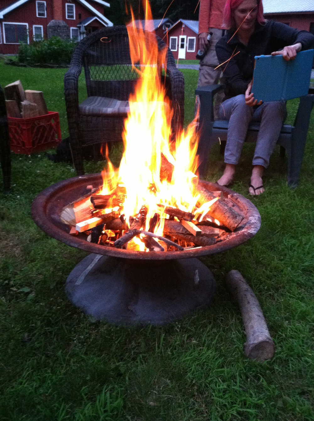 Campfires & fun at Wellnesste Lodge.