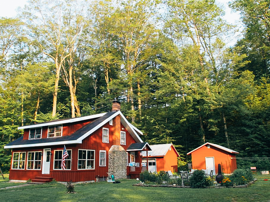 wellnesste offers a unique cabin experience & wedding venue