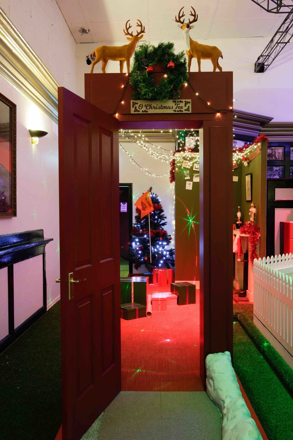 holey-moley-golf-club-launch-2017-interior-o-christmas-tree-1.jpeg
