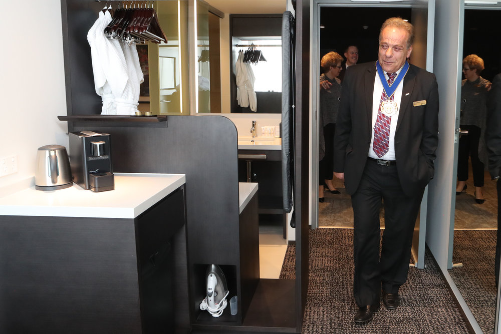 sage-hotel-ringwood-unveil-2017-mayor-tony-dib.jpg