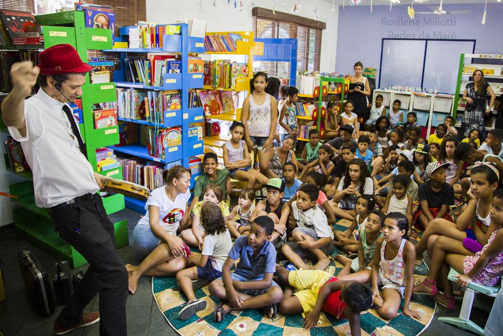 Biblioteca Popular Lima Barreto. Créditos:  Redes da Maré