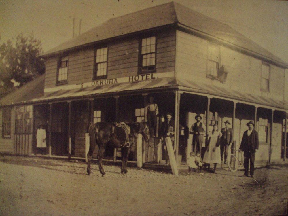 Old Oakura Hotel Pic.jpg