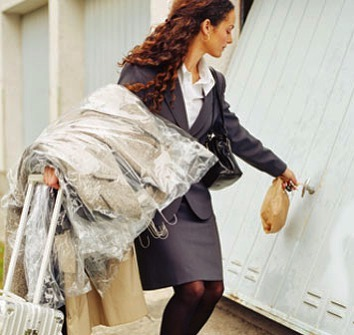 Tired of picking up & dropping off your #drycleaning ?  Let @icleanapp make your life easier with free pickup/delivery and excellent garment care! You won't regret making your life easier😄👔👗