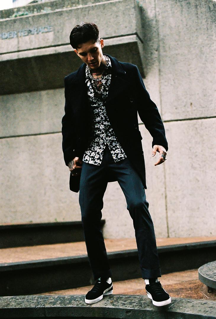 Wearing pants: @ asos  shoes: @ puma  shirt: @jacklondon coat: @ jacklondon
