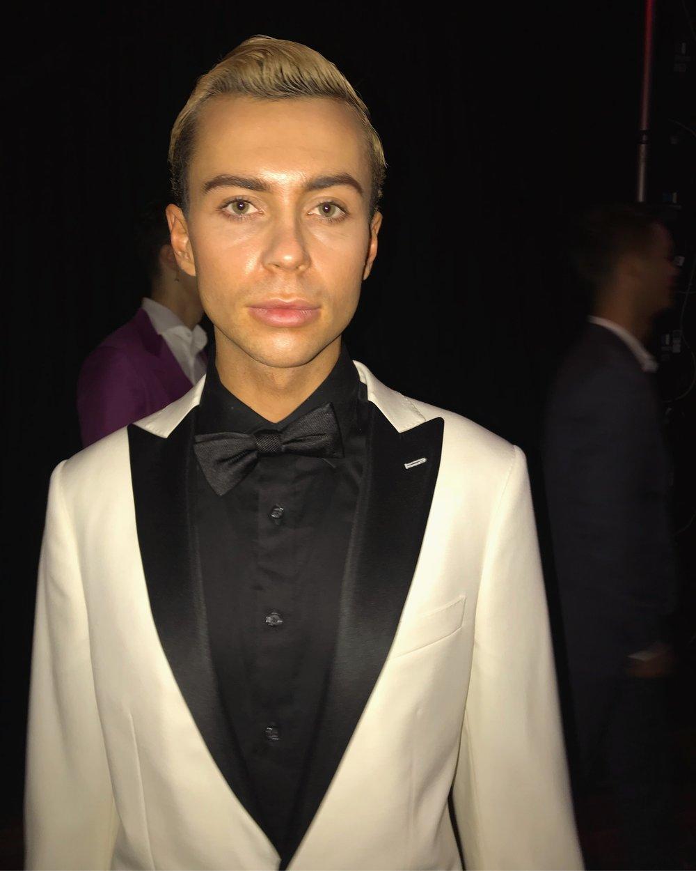 Kurt backstage