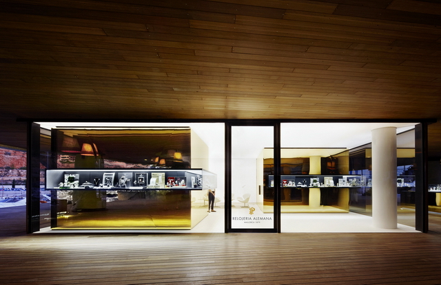 Design award for Relojeria Alemana's shop in Port Adriano, Mallorca
