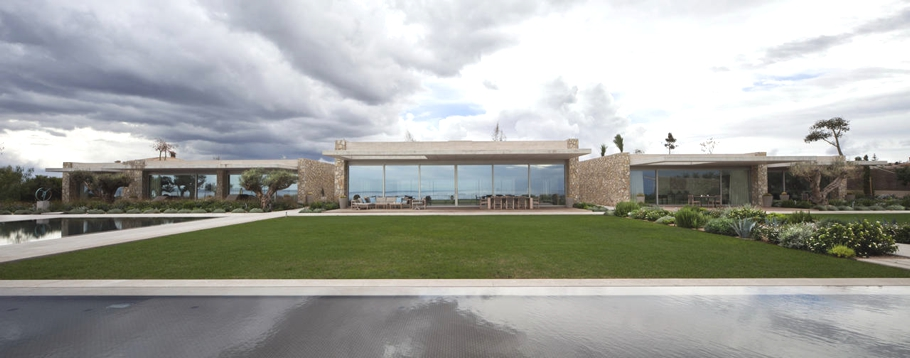 Sunday Inspiration: Contemporary villa in Mallorca
