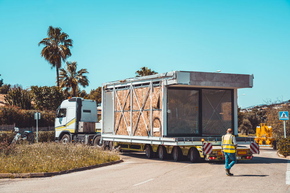 A total of 9 lorries have transported 9 modules from the factory to the plot in Santa Ponsa