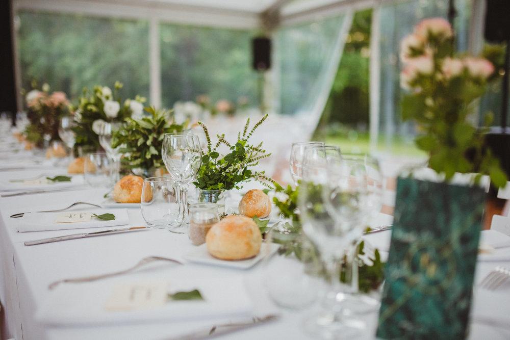 Déco de mariage florale personnalisée et centres de table - Adjamée