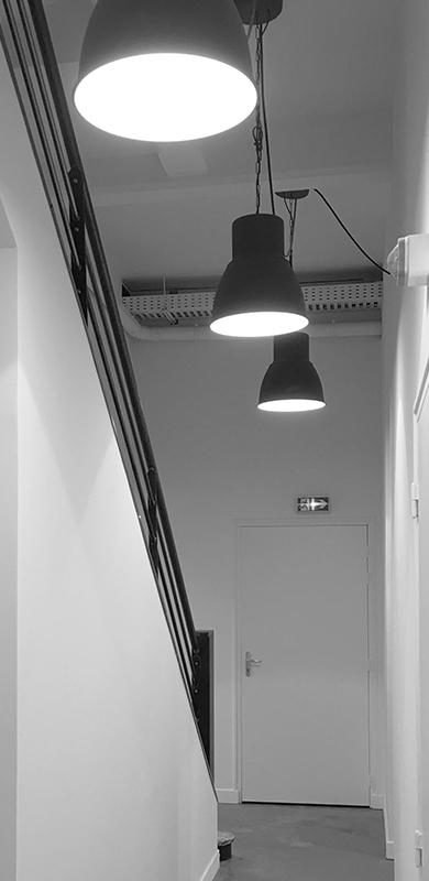 Photo_Locaux_Agence_Vertical_3_Couloir.jpg