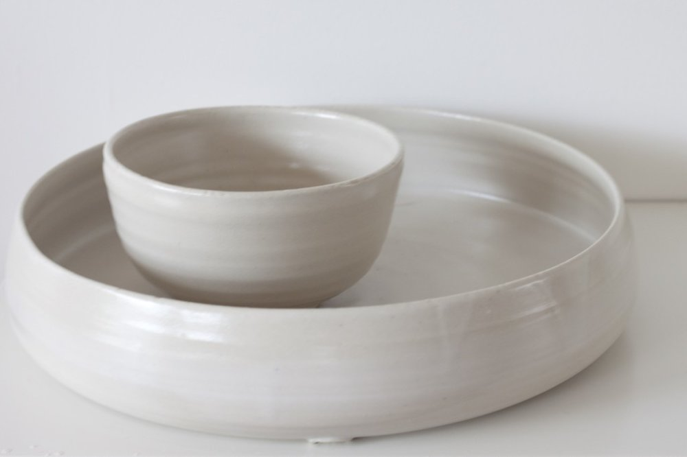 White bowl and platter