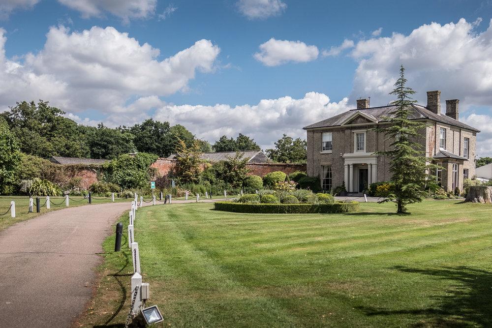 Wedding photographer in Essex, Fennes wedding photography,Essex wedding photographer