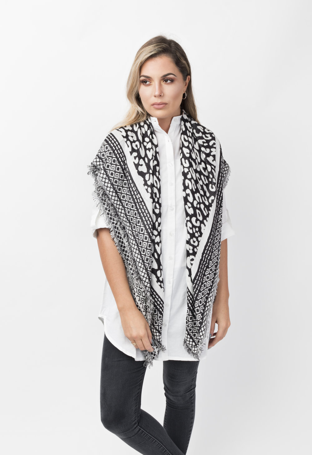 Melika scarf2.JPG
