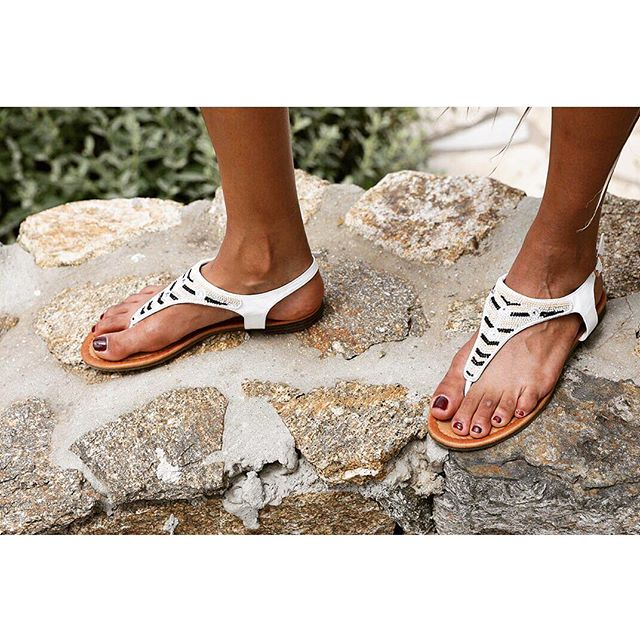 Forget diamonds 💎, comfy summer sandals are a girl's best friend.  Layla sandal, also available in black and brown & on sale!! #piarossini #summer #sandal #beach #fashion #ootd #collection