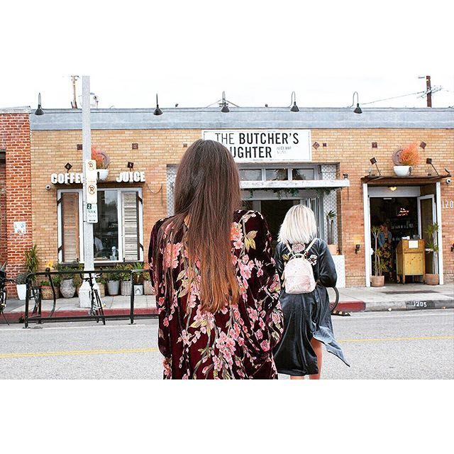 ☕️🥑 @thebutchersdaughter_official  Wearing the Amaya kimono.  Montpellier bag and Kasmir kimono.  #piarossini #thebutchersdaughter #venicebeach #la #avocado #coffee #brunch #sundayfunday #brunch #fashion #kimono #fashionbrand #america #travel #explore #instagood #ootd