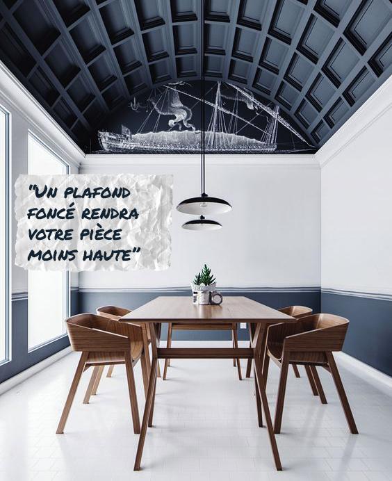 Un plafond foncé rendra votre pièce moins haute