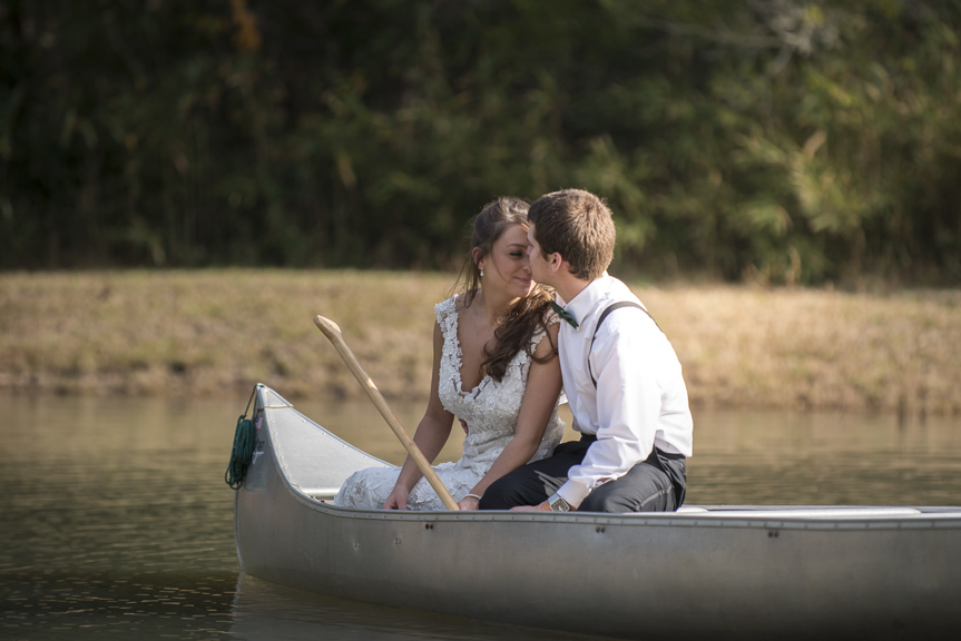 canoe wedding photo NC.jpg