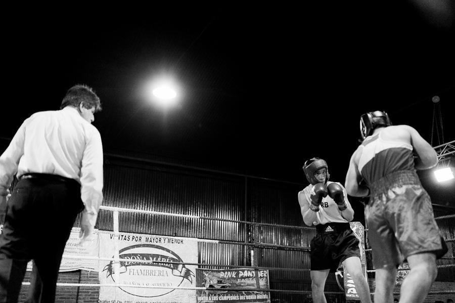 fotografo de boxeo, boxeo, boxeo en el estadio del centro, boxeo profesional en cordoba fotos50