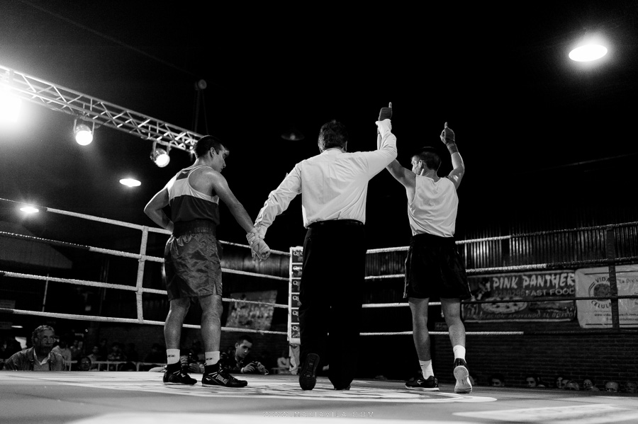 fotografo de boxeo, boxeo, boxeo en el estadio del centro, boxeo profesional en cordoba fotos56