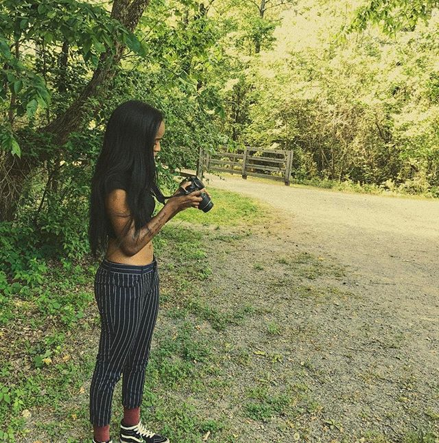 Happy 🌏 day 🌻 - i took out my lil baby nikon for a lil park date ft. my thickness