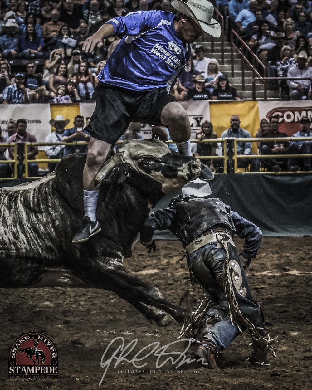 Bullfighter Zach Call - 2017 Snake River Stampede