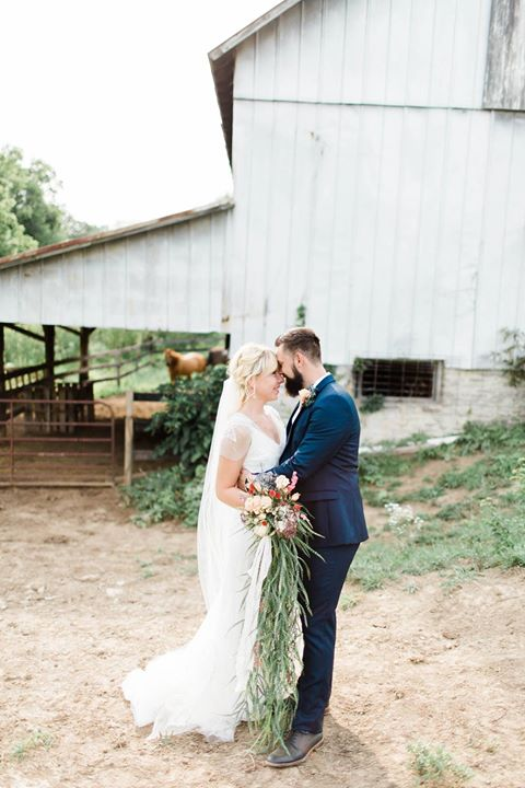 hannah and jake retreat barn.jpg