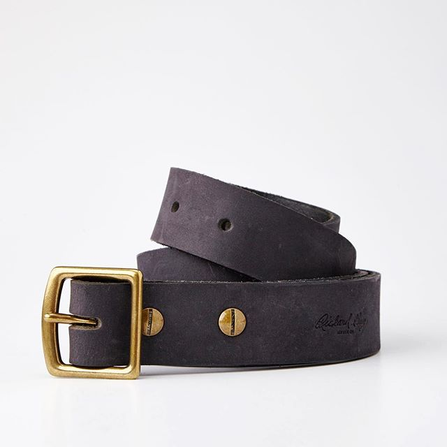 Another one from the @rickardguy collection. Belts can be tricky- but we've got tricks. | #madebyhand #shotbytheflashy #ecommerce #leatherbelt #brasshardware