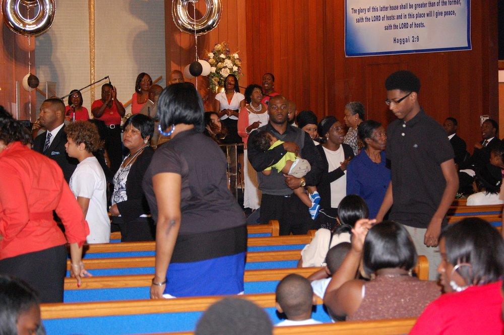 congregation1.jpg