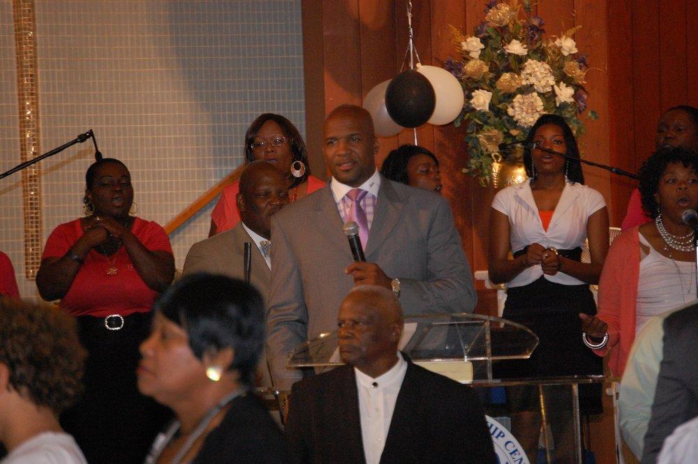 pastorWalter-4.jpg
