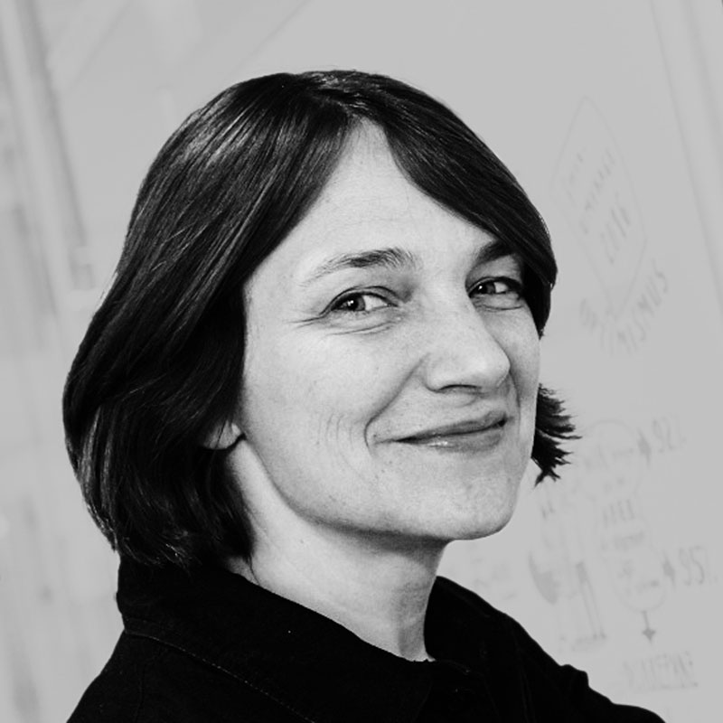 rs_team_angela gerlach_portrait.jpg