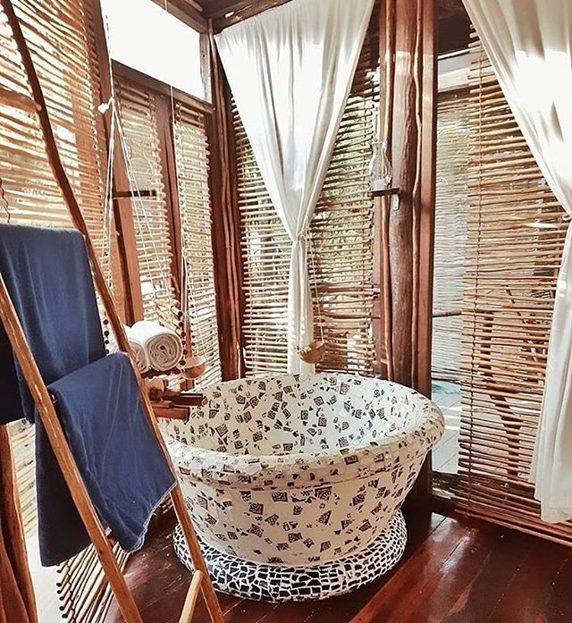 🌸🛁Wash away your troubles with some bubbles🛁🌸 #Mood #Monday #Azulik #LovedByGuests #Bath #Relax #Bubbles #Paradise #ReconnectionSanctuary #Eco #Resort #Nature #AzulikJungleVilla #Adventure #Love #Amazing #Vacation #Holiday #Wanderlust #Travel #Mermaid #Tulum #Mexico #RePost 📷@bucket_leest