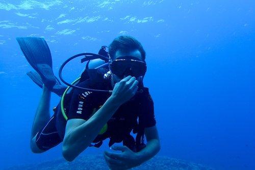 scuba-diving-maui.png